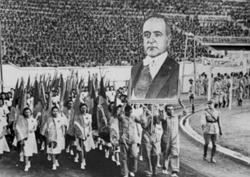 Comemoração do Dia do Trabalho em 1943, durante o governo de Getúlio Vargas
