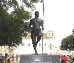 Estátua de Zumbi dos Palmares localizada em Salvador, Bahia