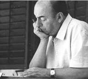 Foto de Pablo Neruda lendo